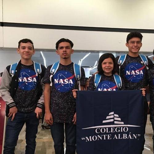 Alumnos de preparatoria Colegio Monte Albán